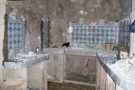 zellige de cuisine pose du zellige de la cuisine rénovation du riad zitouna à fès au