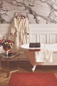 carrefour robe de chambre christian lacroix signe une collection de linge de maison pour