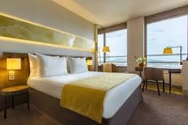 hotel lyon dans la chambre radisson hotel lyon 4 étoiles avec chambres familiales