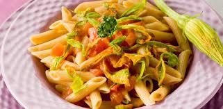 primo piatto con fiori di zucca pasta con fiori di zucca diredonna