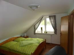Schlafzimmerm El Mit Fernseher Ferienhaus Moorfee U0026 Moorperle Fewo Direkt