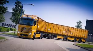 worlds best truck lzv trucks google zoeken lzv pinterest mercedes benz road