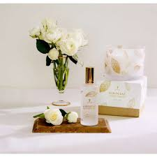 thymes candles thymes goldleaf 3 wick candle