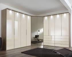 Schlafzimmer Komplett Mit Eckkleiderschrank Eckkleiderschrank Magnolie Mit Schubladen Und Spiegel Tiko