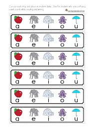 free short vowels cue cards cue cards for student desks helpful