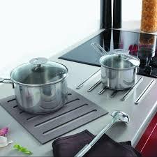 accessoire plan de travail cuisine repose casserole design dessous de plat 2 en 1 en silicone pour