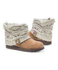 sweater boots style tips for trending it up with sweater boots popfashiontrends