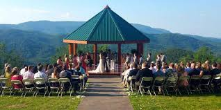 Wedding Venues In Knoxville Tn The Lodge At Brothers Cove Weddings Get Prices For Wedding Venues