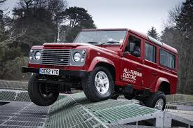 land rover defender 2013 land rover defender production to end in 2015 digital trends