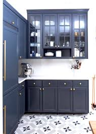 Kitchen Cabinets Knobs Or Handles by Brass Hardware Megatrend Shiny Knobs Handles Here To Stay
