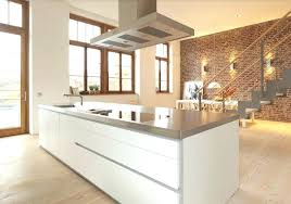 les diff駻ents types de cuisine les hottes de cuisine hotte de cuisine centrale avec en hauteur les