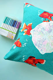 diy rainbow under the sea pillow draw with a cricut