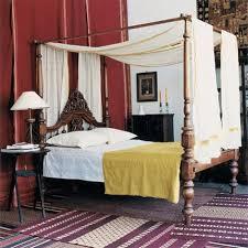chambre style colonial chambre avec lit colonial à baldaquin xixe indien en palissandre