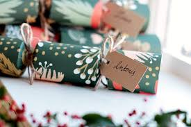 christmas crackers how to make your own gorgeous christmas crackers