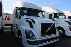 new trucks from volvo running on liquid or biogas fleet news daily 100 volvo truck 2017 test drive volvo u0027s new vnr