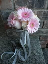 ivory u0026 pink roses with pink gerbera daisies