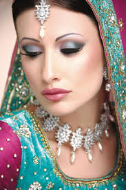 tutorial bridal makeup and jewellery trend bridal eye makeup and hairstyle for wedding day