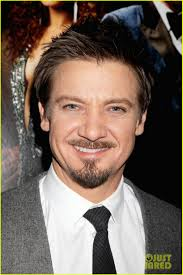 jeremy renner hairstyle jeremy renner van dyke facial hairstyle