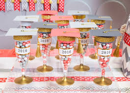 Homemade Table Centerpieces For Parties by Best 25 Grad Party Favors Ideas On Pinterest Graduation Party