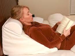 cuscini per dormire bene ernia iatale come dormire meglio sul materasso materassi