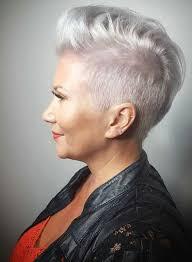 Frisuren Kurze Graue Haare by Gehen Sie In Diesem Winter Einmal Fur Eine Silber Und Grau