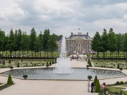 het loo palace apeldoorn my collection of postcards from the royal palace het loo in the netherlands editorial image image of