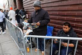 best black friday deals for men black friday 2015 sees thousands line up across the country for