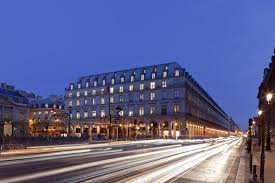 siege le parisien sfl accueille le siège parisien de hugo dans le louvre des