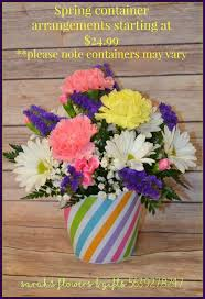 Floral Vases And Containers Sarahs Flowers U0026 Gifts Your Local Manchester Iowa Florist 1 877