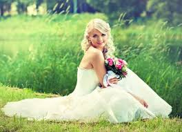 cleaning a wedding dress cost wedding dress cleaning and preservation cost vosoicom wedding cost