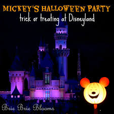 mickey u0027s halloween party trick or treating at disneyland brie