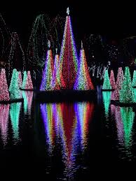 christmas light display synchronized to music columbus zoo and aquarium delaware county ohio by throwingsofas