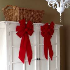 big christmas bows speedy decorating tip just add a big bow utr déco