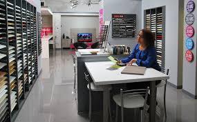 showroom cuisine showroom cuisine modele de plan de cuisine meubles rangement