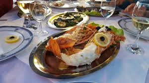 Luxury Dining - luxury yacht dining charter unforgettable experience world