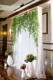 wedding backdrop altar cómo hacer cortinas de papel para bodas con paso a paso