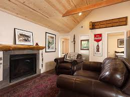 Frontroom Furnishings Enchanted Cabin Close To The Village Lake Vrbo