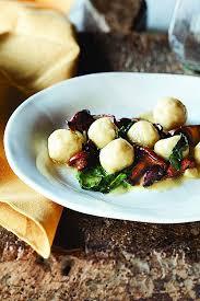 cuisiner les chanterelles grises cuisine cuisiner des chanterelles awesome ricotta gnudi with