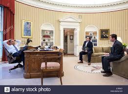 bureau president americain le président américain barack obama rencontre le directeur de