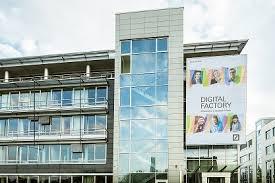 deuts che bank deutsche bank opens digital factory in frankfurt newsroom