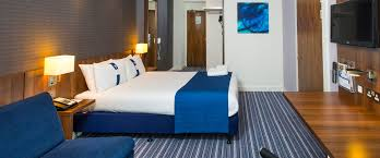 Family Rooms Birmingham Holiday Inn Express - Holiday inn family room