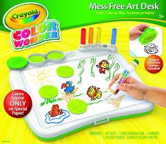 amazon com crayola color wonder art desk with stamper toys u0026 games