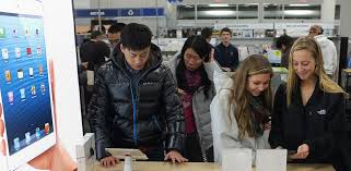 black friday deals on ipads in best buy best buy offers 200 for your old ipad 2 or ipad 3 abc news
