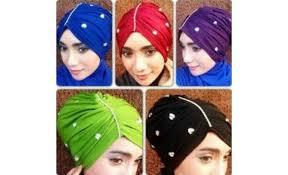 tutorial hijab turban ala april jasmine 20 topi turban permata 10676 640x390 0 jpg 640 390 hijab style