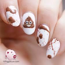 piggieluv emoji nail art