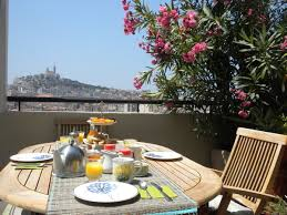 chambres hotes marseille bed breakfast marseille bnb les amis de marseille