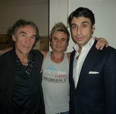 Allí, junto a Nacho y a Fernando Porcar, estaba mi también querido amigo José Manuel Lorenzo, ... - A_trio