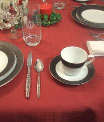 how to set a dinner table correctly to set a formal dinner table