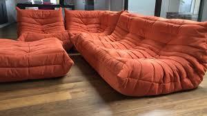 canapé style togo canape togo michel ducaroy ligne roset tissu orange design