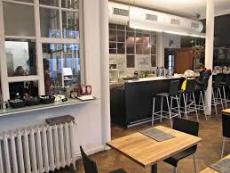restaurant cuisine ouverte restaurant typique belge à bruxelles un pied dans les nuages